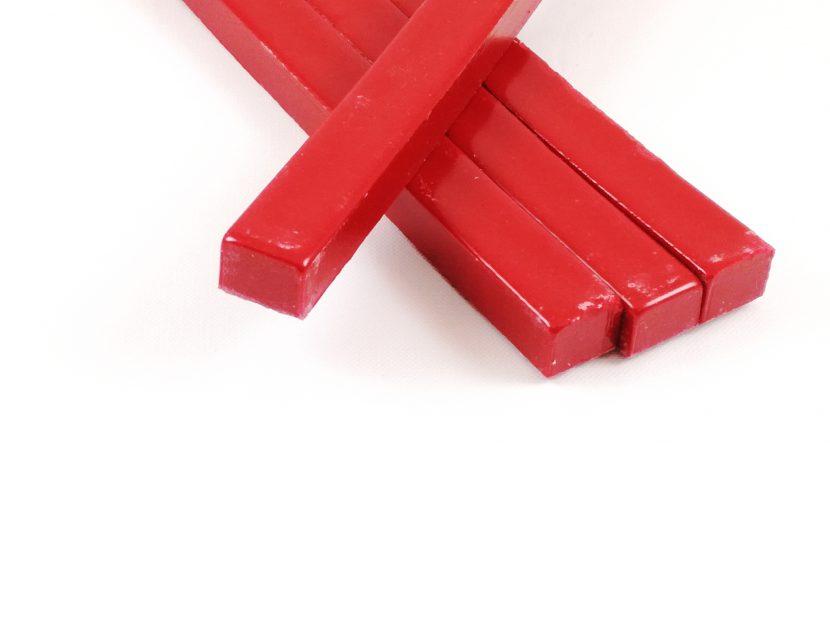 Lak czerwony